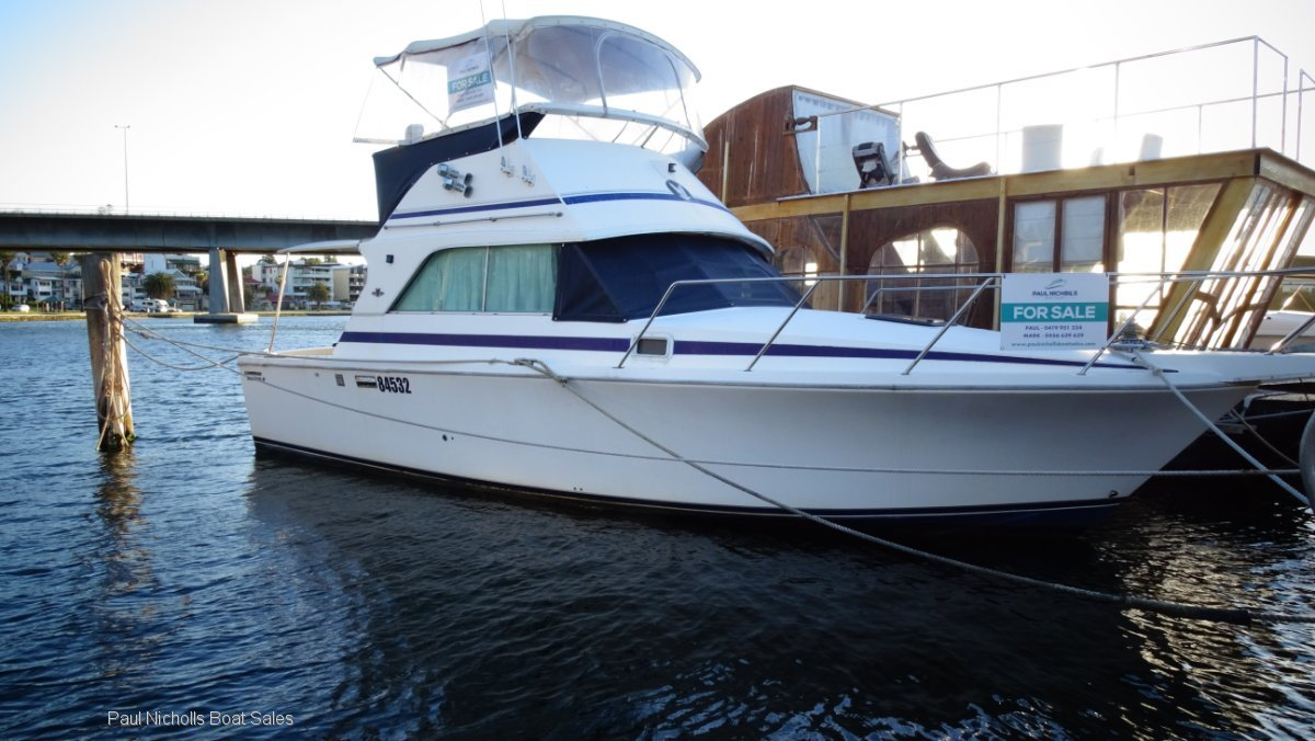 Bertram 31 Flybridge Cruiser REDUCED ! VIEW AT LEFT BANK JETTY 1 EAST FREMANTLE