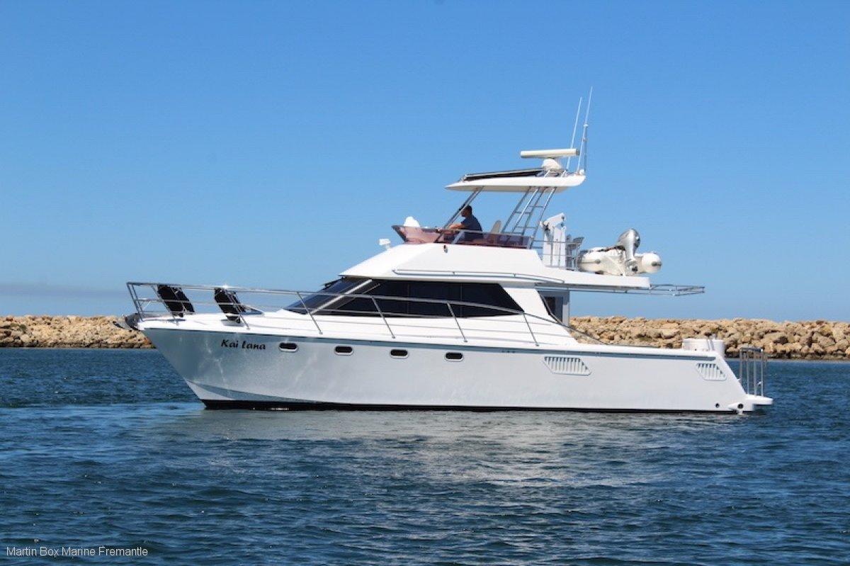 Montebello 41 Power Catamaran Twin Yanmar Diesels