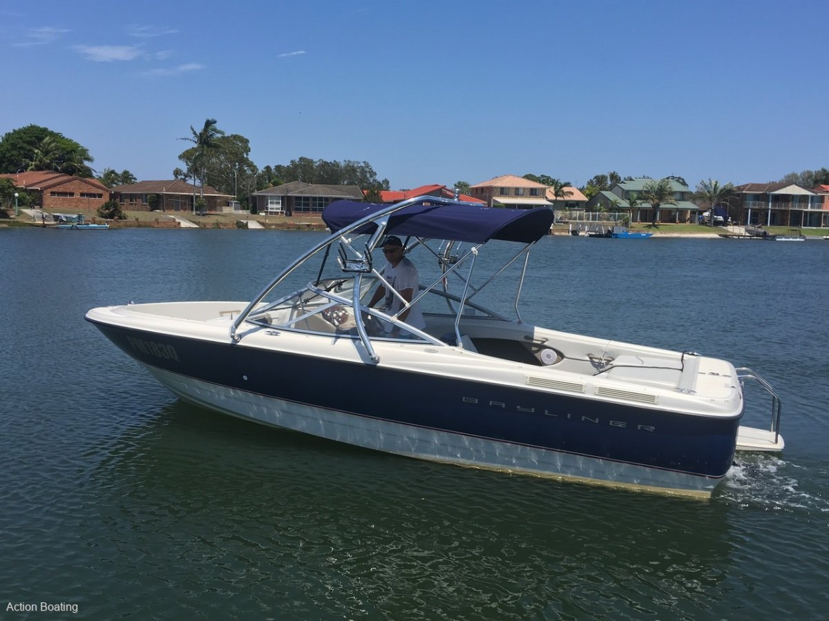 Bayliner 215 Bowrider and dual axle trailer