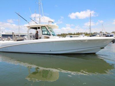 Boston Whaler 350