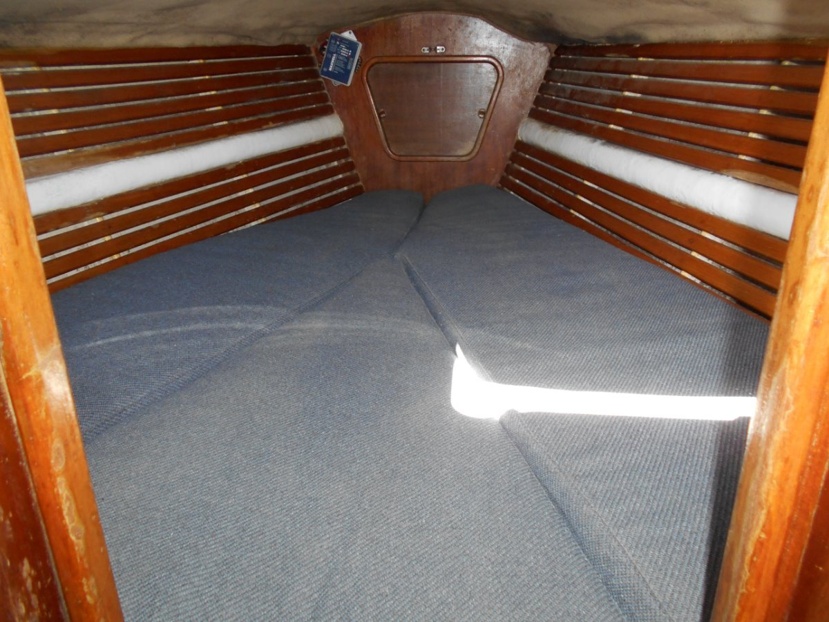 Sparkman & Stephens 39 MANY UPGRADES, CRUISE EXTENSIVELY, LIVEABOARD.