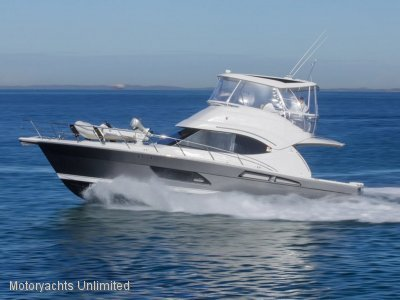 Riviera 45 Open Flybridge - Highly option low hour Series II model