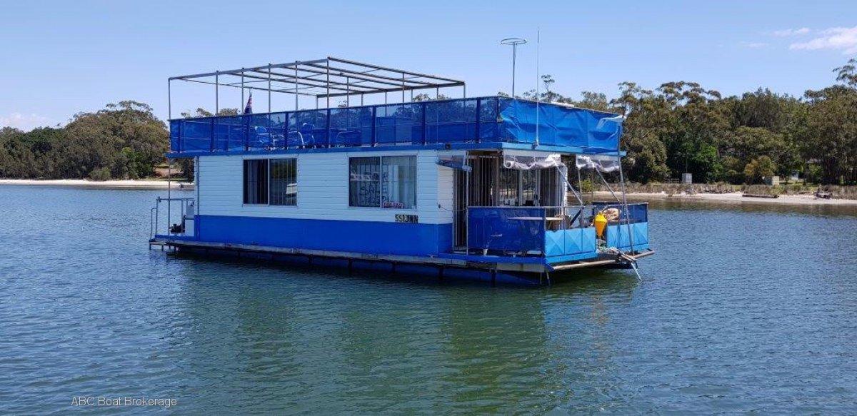 One Bedroom Houseboat