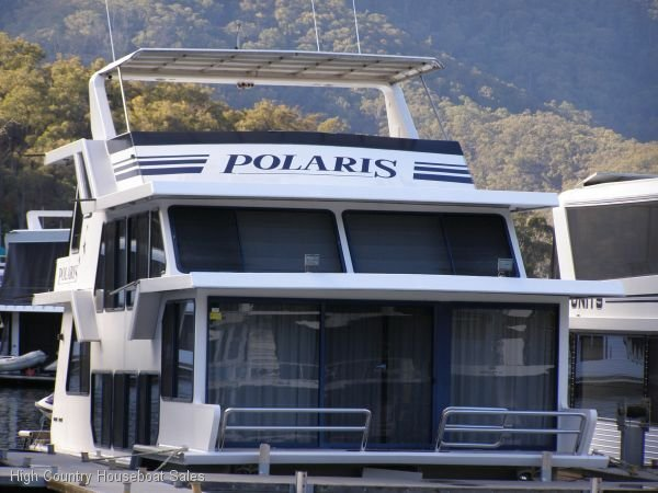 Houseboat Holiday Home on Lake Eildon, Vic.:Polaris on Lake Eildon