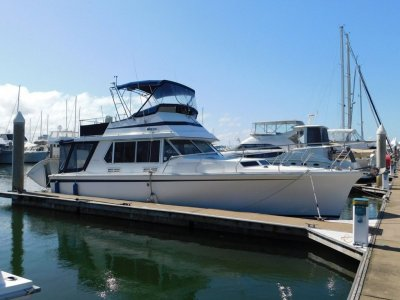 Fairway 36 Flybridge Cruiser
