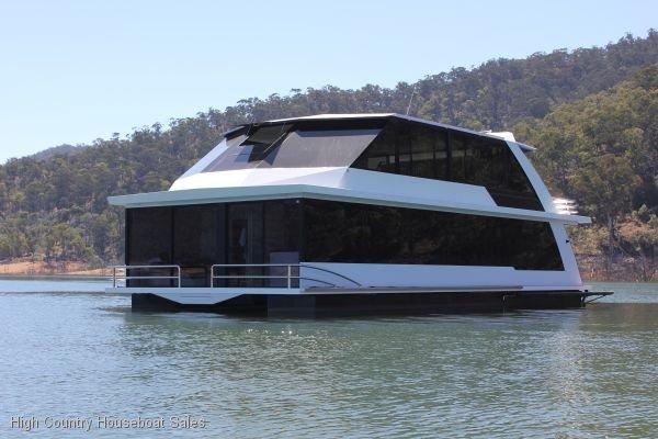 Houseboat Holiday Home on Lake Eildon, Vic.:Soul on Lake Eildon