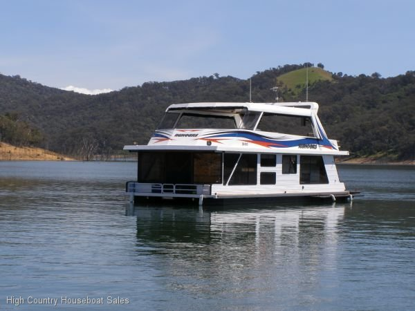 Houseboat Holiday Home on Lake Eildon, Vic.:Rumours on Lake Eildon