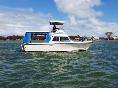 2015 MERCRUISER SEACORE 377 MAG- 120 hours - Comes with a free boat