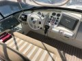 Azimut 43 Flybridge:Upgraded helm with C120 and new instrumentation
