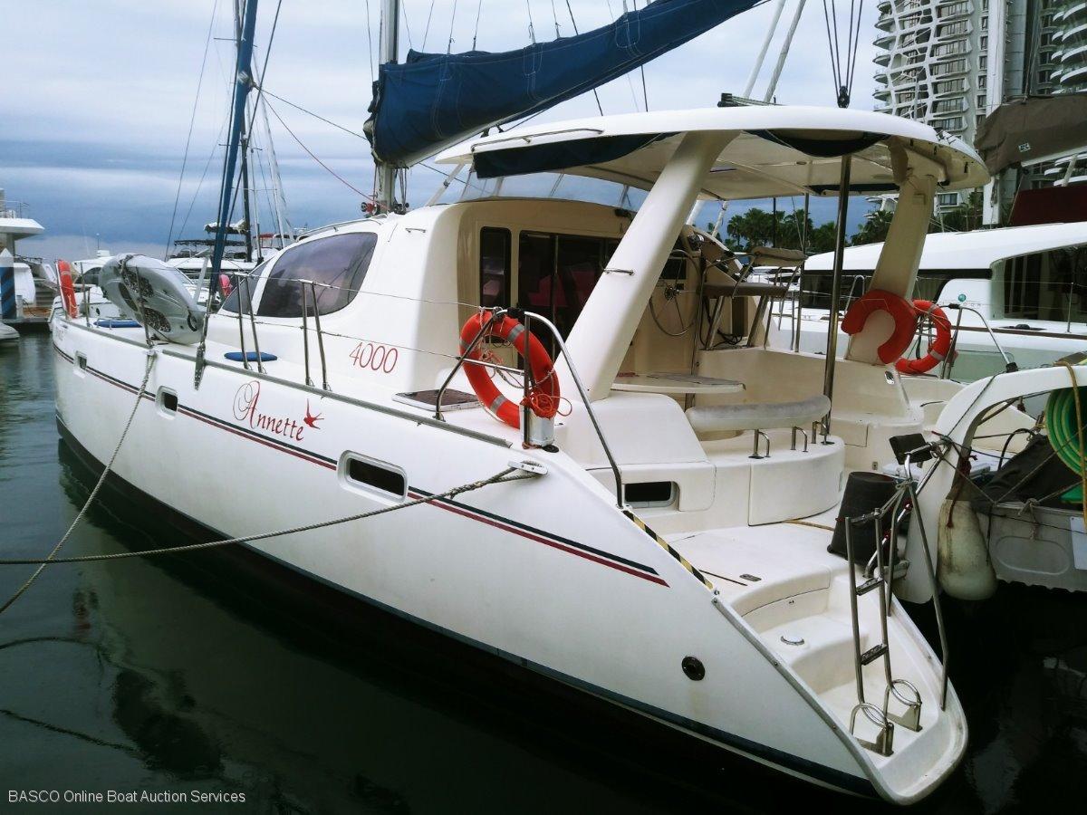 Leopard Catamarans 40 Sailing Catamaran