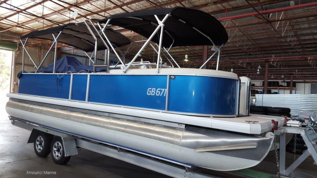Runaway Bay Pontoon Boats 8m Runaway Bay Pontoon Boats 8m owners wants it sold