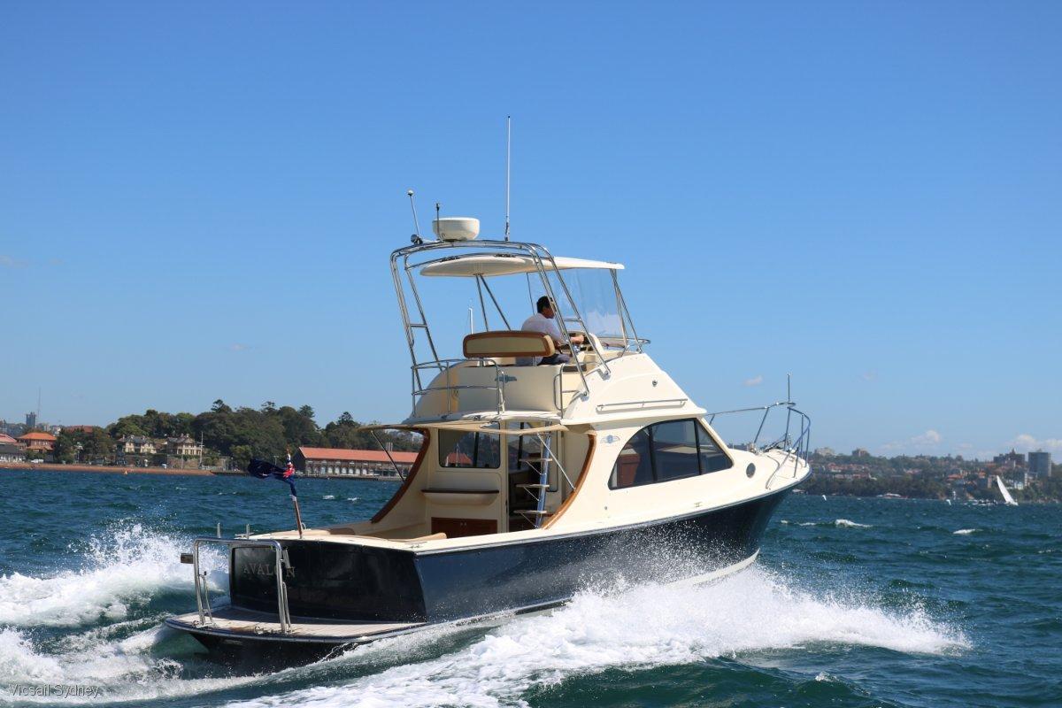 Palm Beach Motor Yachts 32 Flybridge