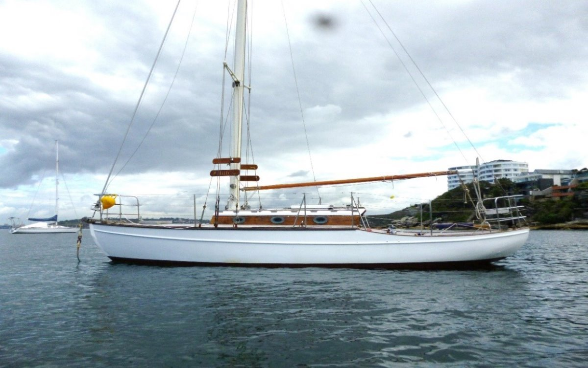 30 ft Classic Yacht:On Mooring