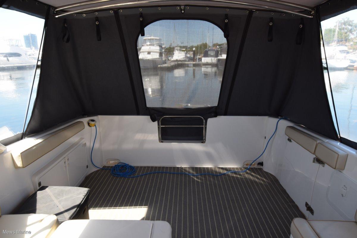 Voyager V930 Catamaran
