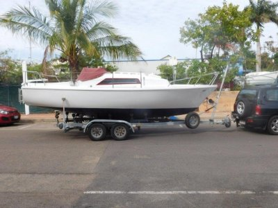Seal 22 Trailer Sailer on v. Good tandem trailer