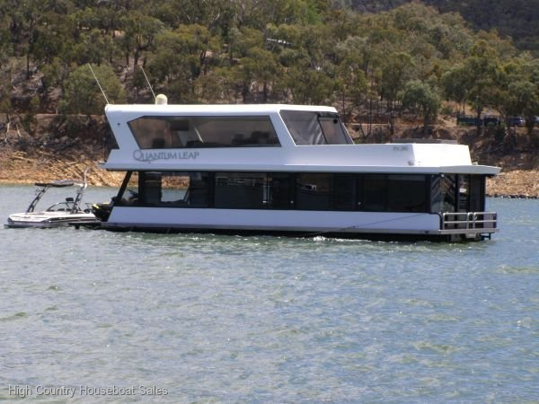 Houseboat Holiday Home on Lake Eildon, Vic.:Quantum Leap on Lake Eildon