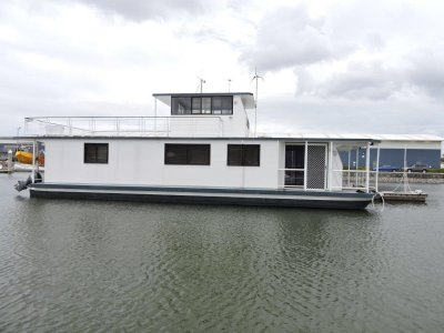 Mc Marine 60ft Houseboat - Online Auction