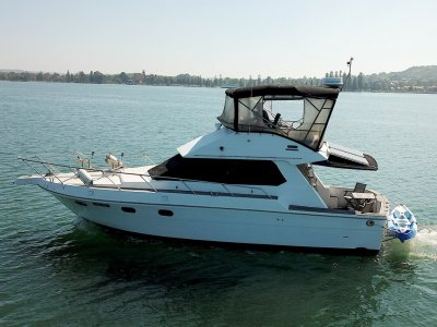 Infinity Boats 36 Flybridge Sports fish