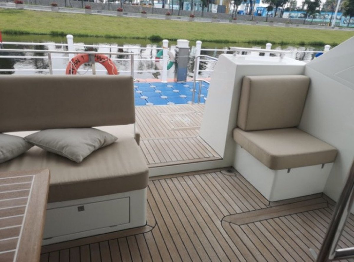 16m Catamaran Motor Yacht Day Boat