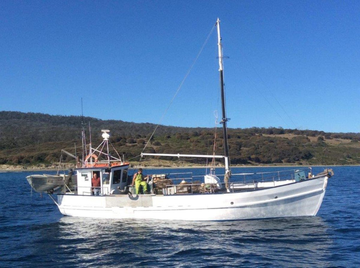 LOBSTER BOAT/LICENCE PACKAGE