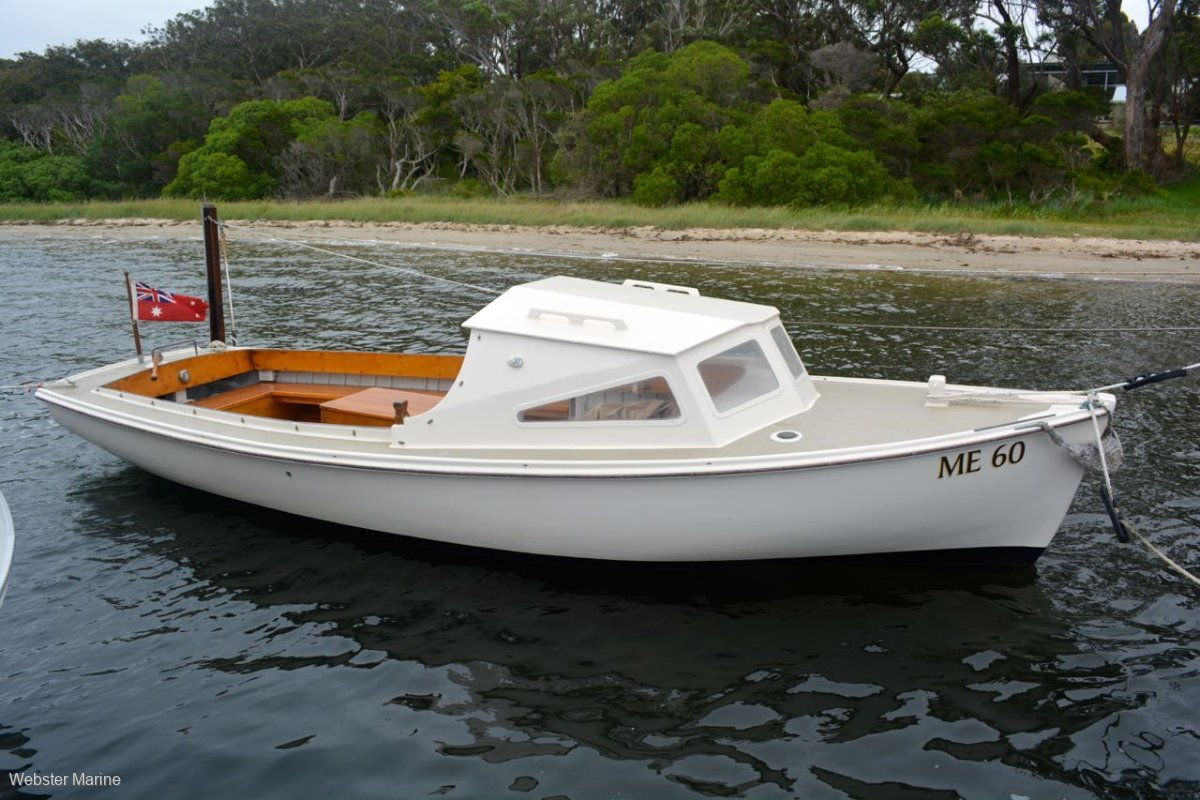 Bull Timber Day Boat 23