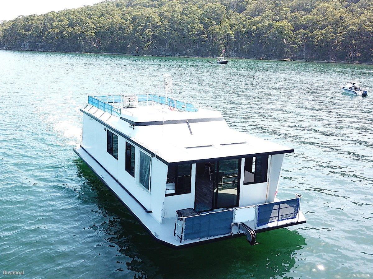 Custom 40 House Boat Fibreglass Hull