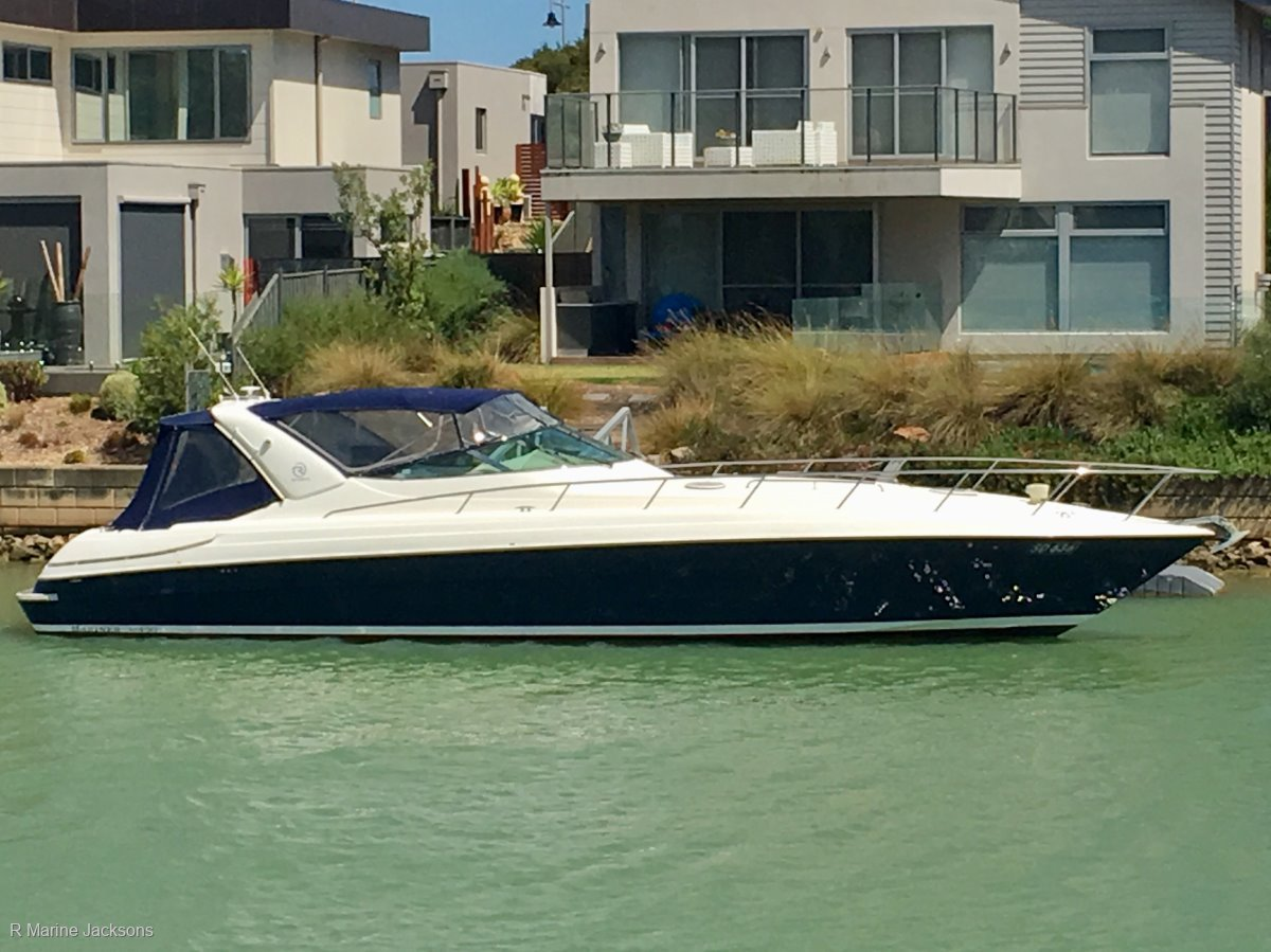 Riviera M430 Sports Cruiser Boat Brokers of Tasmania