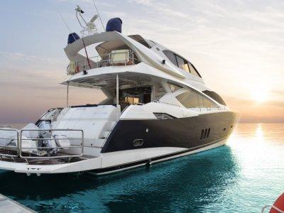 Sunseeker Yacht 82 Enclosed Flybridge