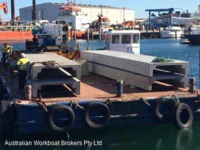 21m Flat Top Barge -