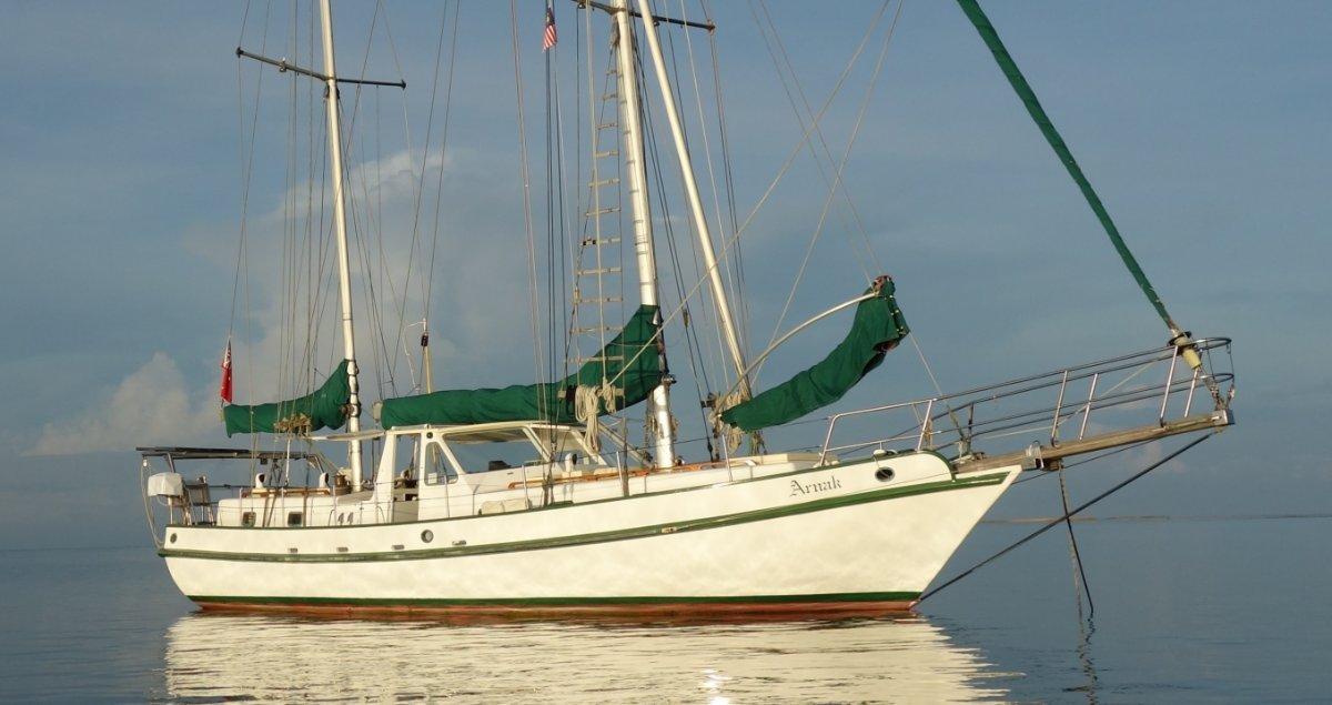 Spray 45 Liveaboard ocean cruiser:Arnak in Borneo 2018