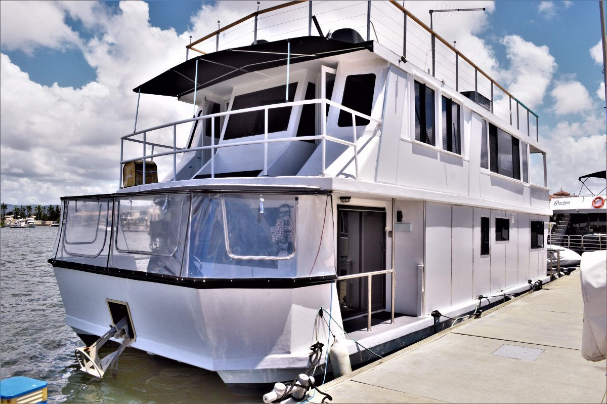 Mc Marine Luxury Houseboat