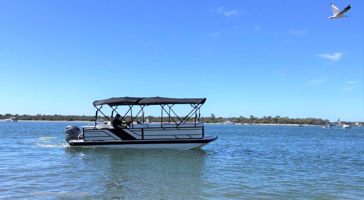 Hurricane 226 Fundeck, pontoon boat