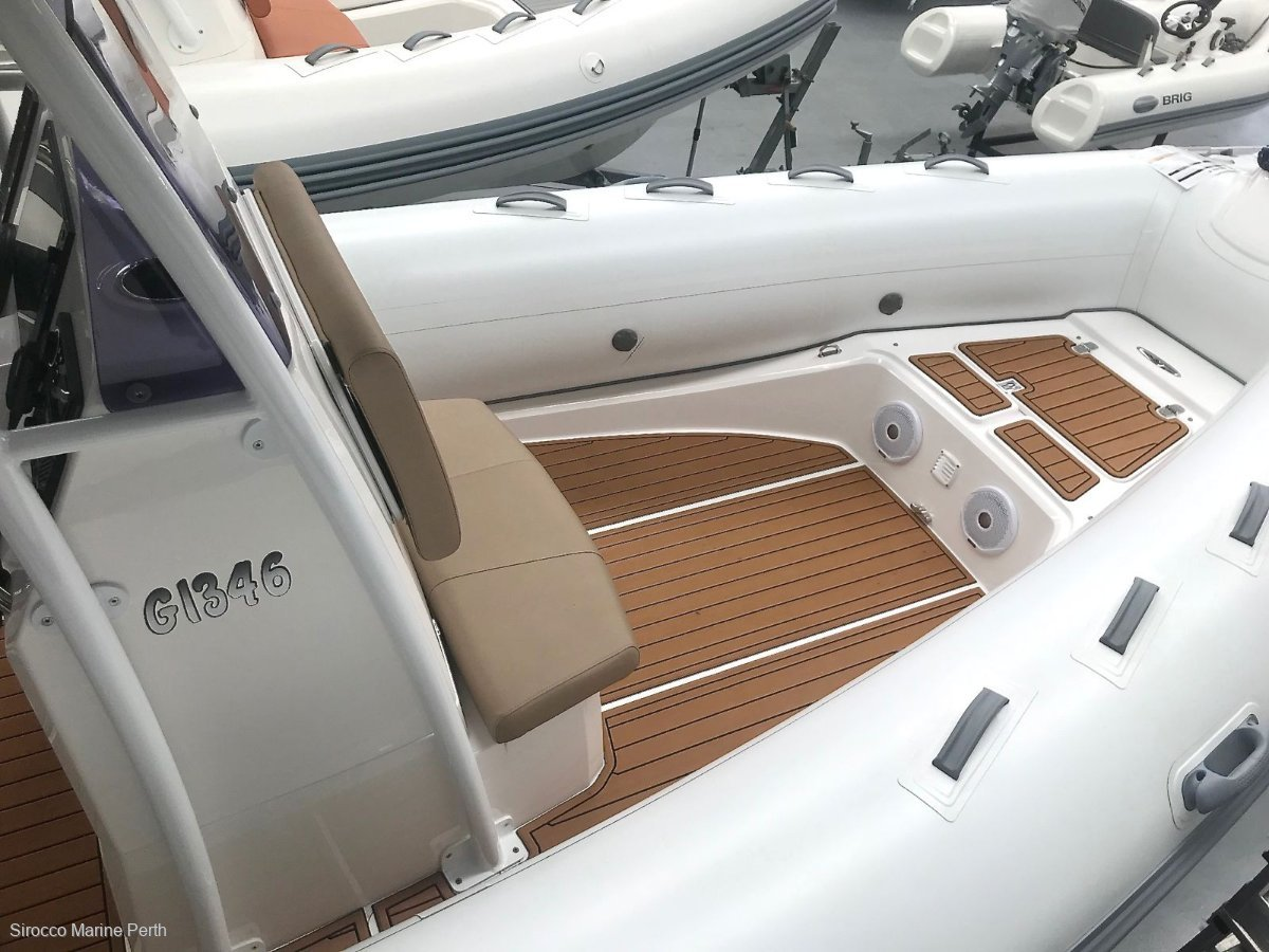 Brig Navigator 730 Centre Console Rigid Inflatable (IN STOCK)