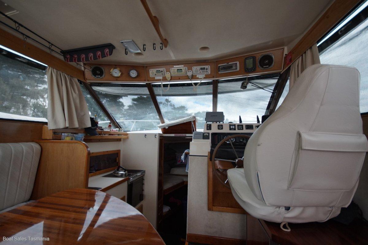 Riviera 27 Flybridge - MAKE AN OFFER