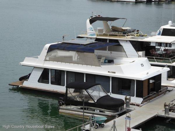 Houseboat Holiday Home on Lake Eildon, Vic.:Distraction @ Lake Eildon