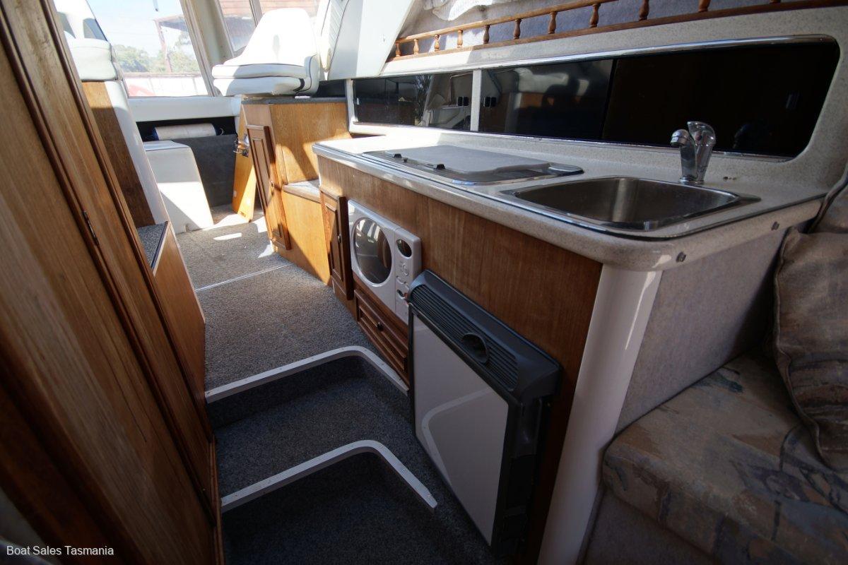 """Whittley Cruisemaster 700 """"Playing Around"""""""