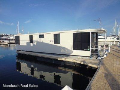 12m Houseboat Luxury 2016