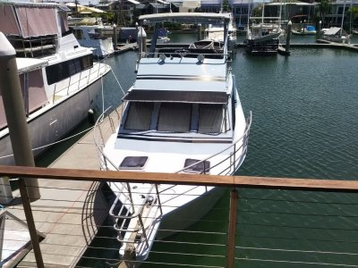 Cairns Custom Craft Flybridge Cruiser