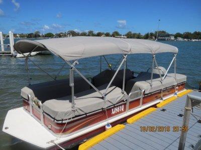 Hurricane Fundeck 226-4 Fabulous Pontoon Boat