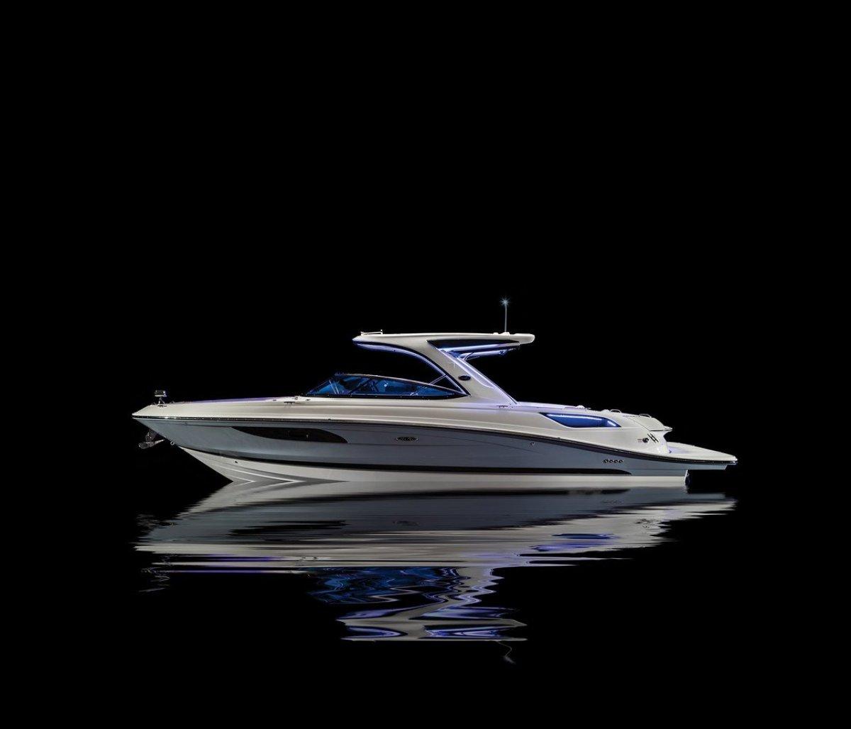Sea Ray 350 SLX Bowrider