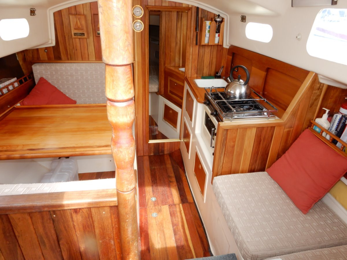 Compass 29 EXCELLENT CONDITION GREAT VALUE