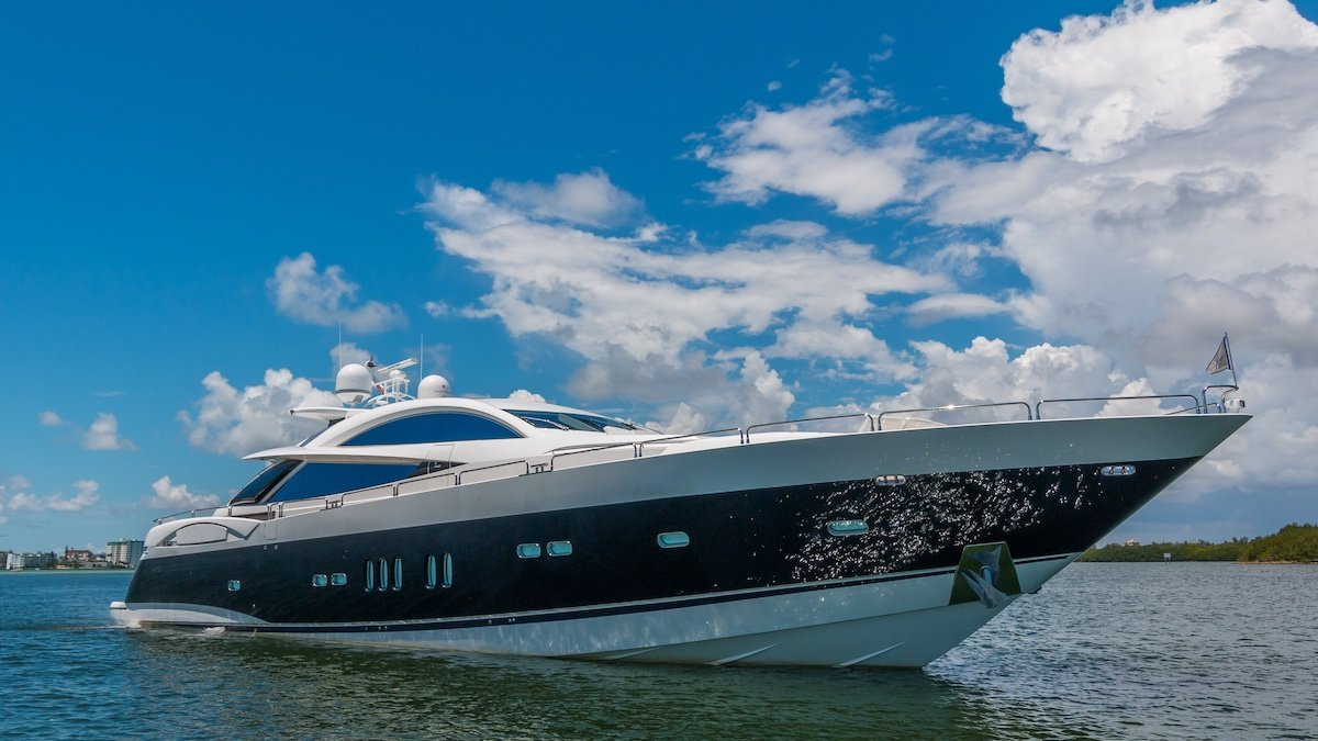 Sunseeker Predator 108 2007 Sunseeker Predator 108:2007 SUNSEEKER 108 FOR SALE