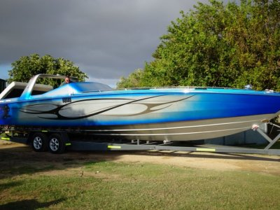 Chris Craft Stinger 390 SUPER IMPRESSIVE FAST BOAT