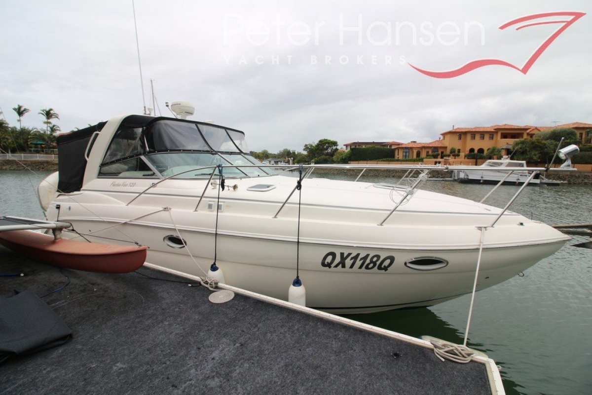 Rinker 320 Fiesta Vee Sports Cruiser
