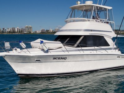 Riviera 36 Flybridge - Single cabin great condition! Reduced now!!