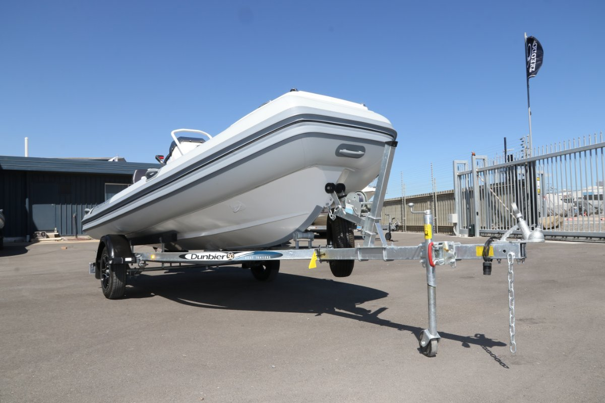 Highfield Ocean Master Deluxe 420 HYP Package | Port River Marine Services
