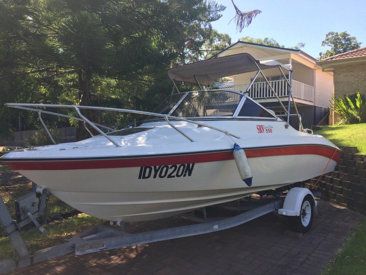 Sea Ray SVR 550