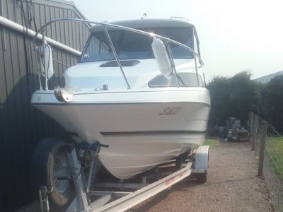 Bayliner 2252 Classic Hard Top Very Rare.