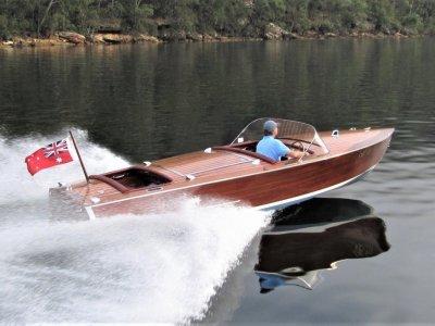 Glen L ChrisCraft style Mahogany speedboat