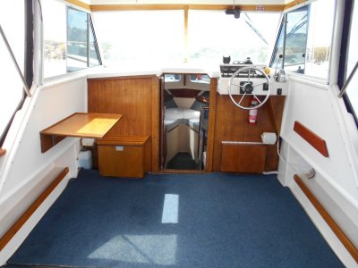 Mariner 26 Pacer shaft drive V8 tidy boat nice fiberglass